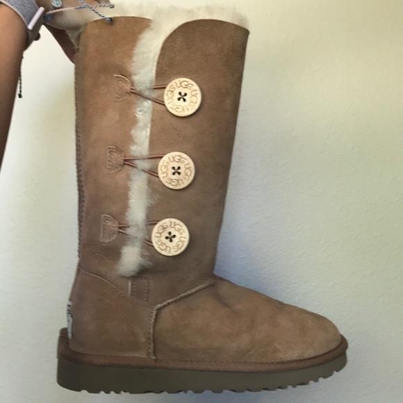 646f578d2d9 Button up ugg boots
